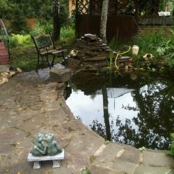 Ландшафт дачного пруда, дачный пруд, фонтан на даче